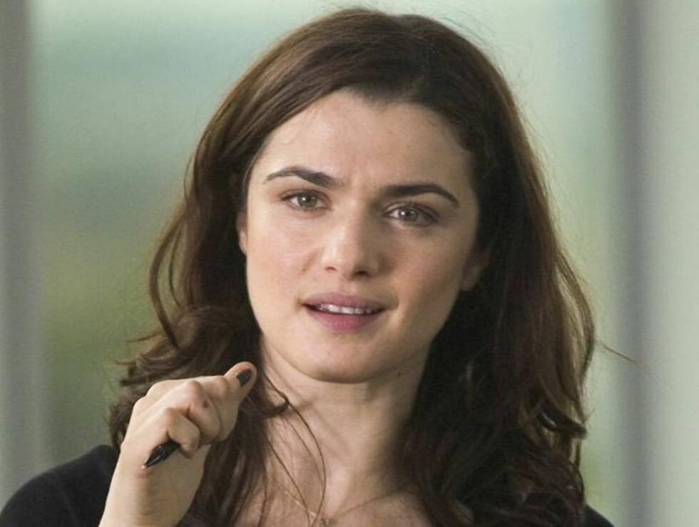 FLAKS: - Hvis Rachel har drukket under graviditeten og barnet er ok, så er det bare flaks, forteller en lege. Foto: Filmweb