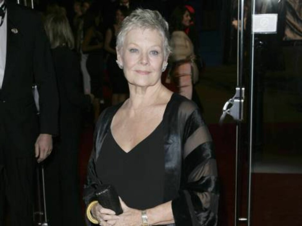 "LONDON - NOVEMBER 14:  (UK TABLOID NEWSPAPERS OUT) British actress Dame Judi Dench attends the Royal Film Performance 2006 and World Premiere of the 21st James Bond movie, ""Casino Royale"", at the Odeon Leicester Square on November 14, 2006 in London, Engl Foto: All Over Press"