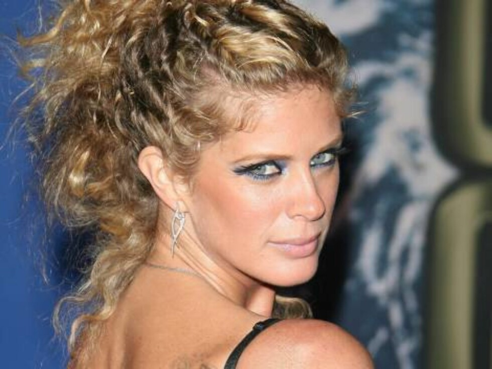 Rachel Hunter upon arrival for the 2006 World Music Awards at Earls Court in central London, UK on November 15, 2006.  (Pictured : Rachel Hunter)  Photo by Frederic Nebinger/ABACAUSA  Code:4001/A34770 COPYRIGHT STELLA PICTURES   Foto: Stella Pictures