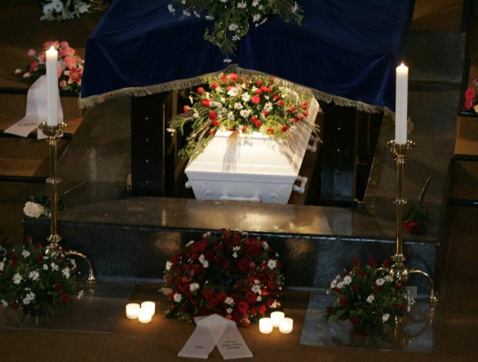 SISTE REIS: Aud Schønemann ble bisatt fra Vestre krematorium i dag. Foto: SCANPIX