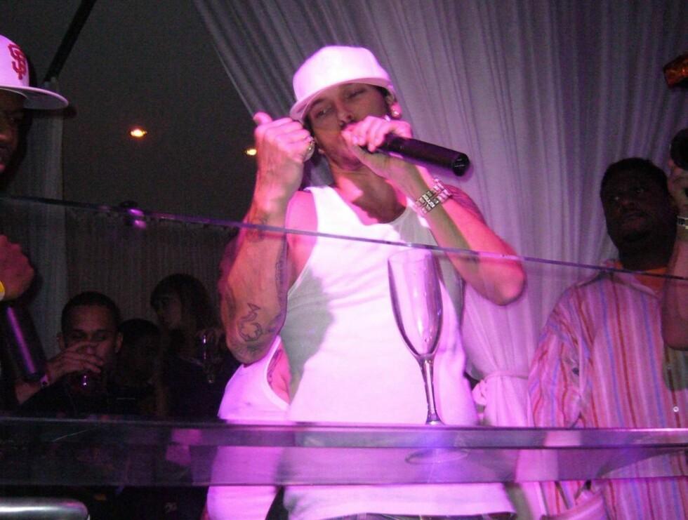 RAPPER: Kevin har lenge prøvd å stable en rap-karriere på bena. Nå frir han til publikum. Foto: Stella Pictures