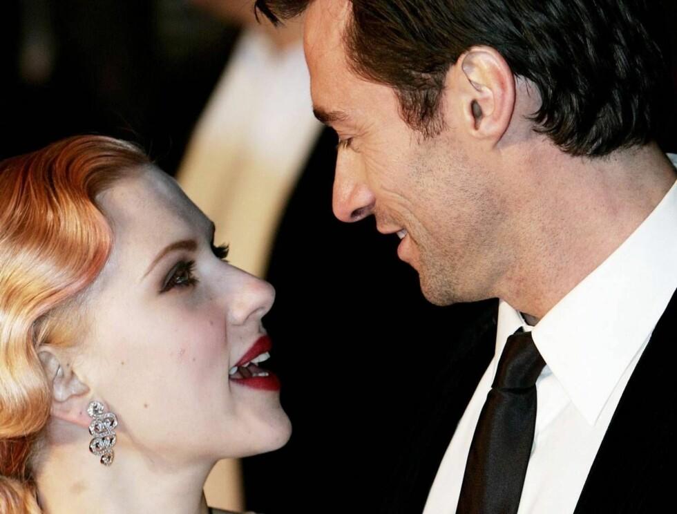 """ØMME BLIKK: Scarlett Johansson og Hugh Jackman har fått gode kritikker for sin innsats i """"The Prestige"""". Foto: Stella Pictures"""