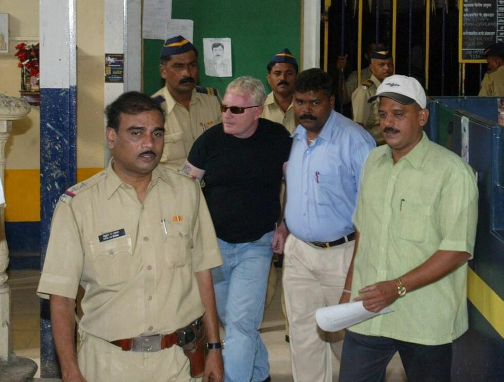 ARRESTERT: Mickey Brett må belage seg på tøffe dager i indisk varetekt. Foto: AP