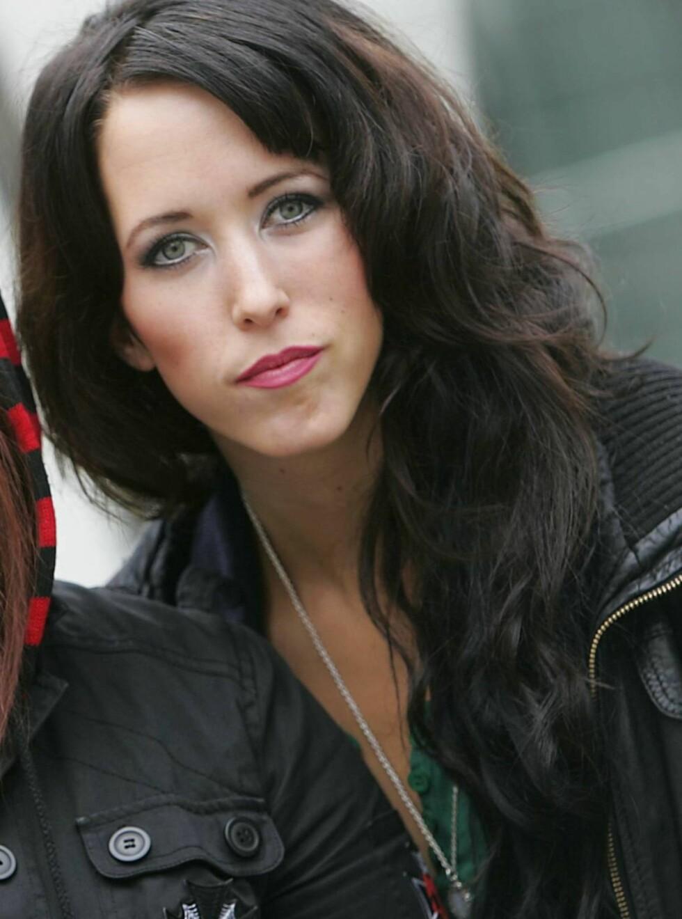 SØT MUSIKK: Tinki fra Lilyjets møtte David etter en konsert i sommer. Foto: Scanpix