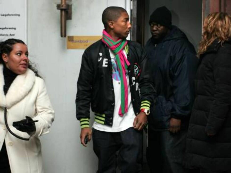 NACHSPIEL: Den kjekke rapperen og produsenten Pharell Williams var godt kledd etter nachspielet. Foto: STELLA PICTURES