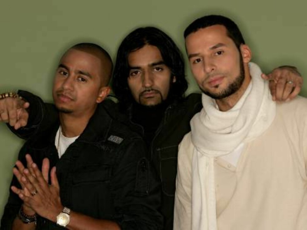 COPENHAGEN, DENMARK - NOVEMBER 02:  The Danish Hip Hop Act Outlandish Lenny Martinez, Waqas Qadri and Sam Bachiri pose for a portrait in the backstage studio during the 13th annual MTV Europe Music Awards 2006 at the Bella Center on November 2, 2006 in Co Foto: All Over Press