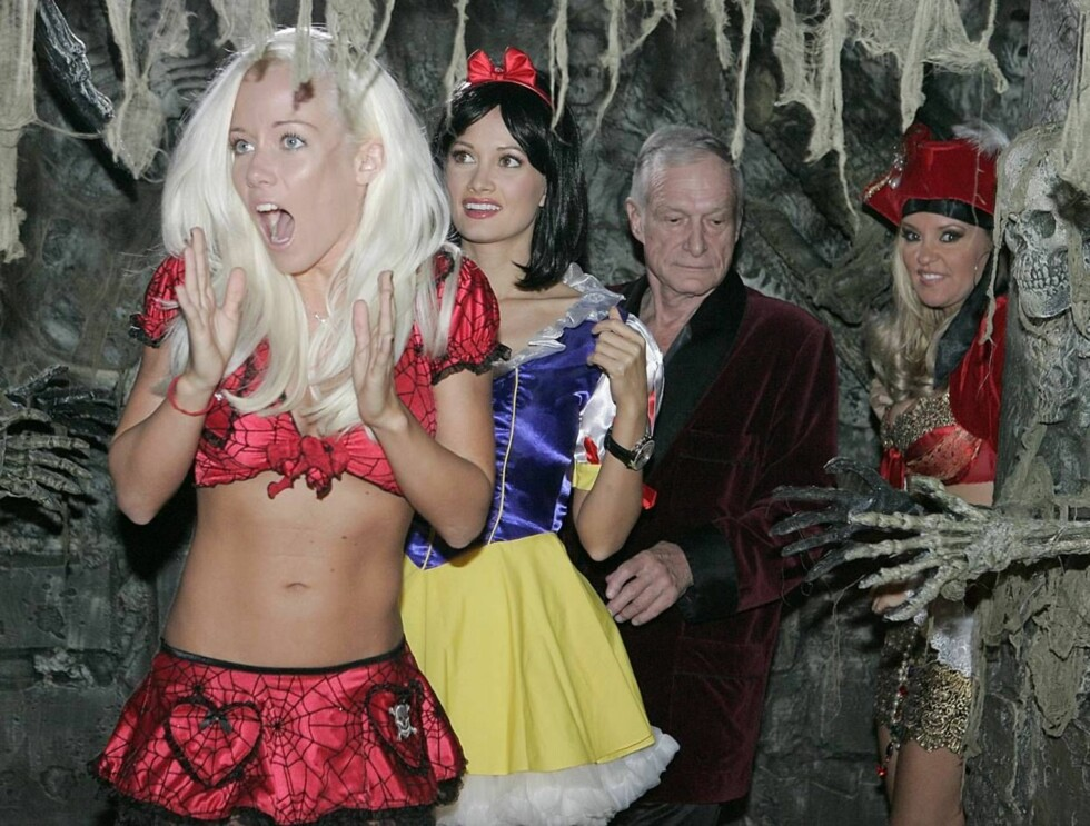 BØ!: Var det spøkelsene eller Paris Hilton som skremte Hefs kjærester? Foto: AP