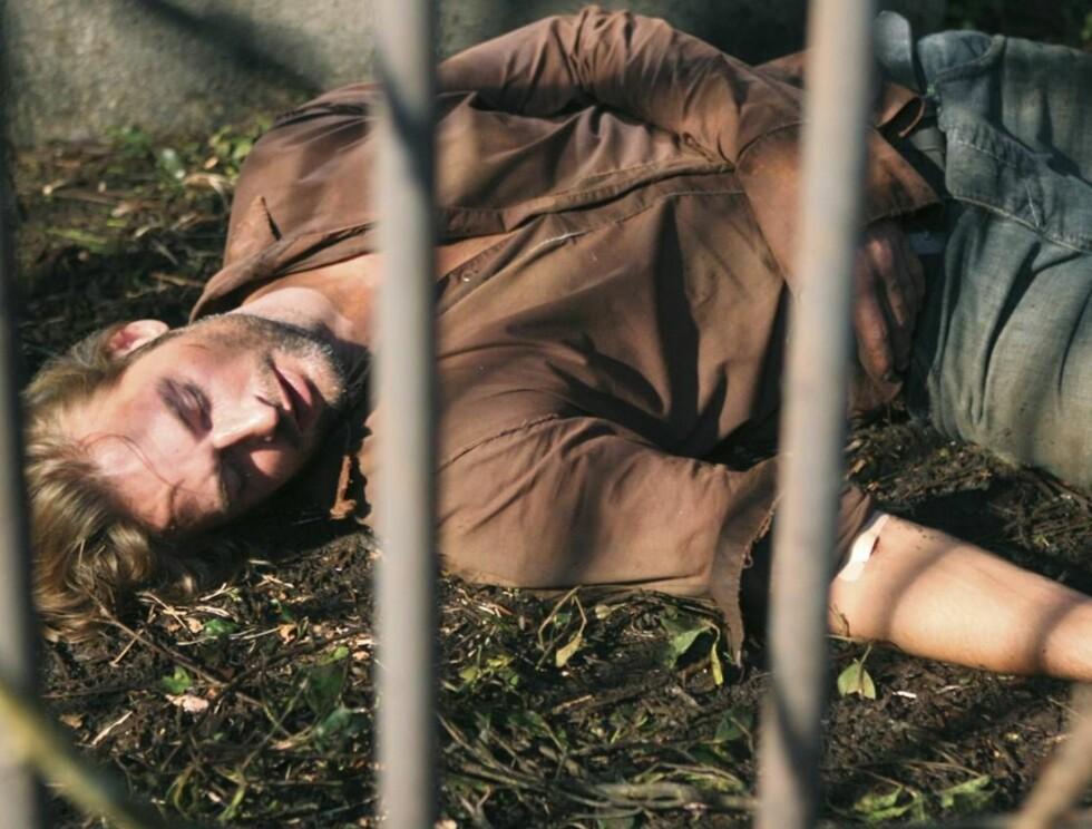 """I TRØBBEL: Som fange hos """"The Others"""" må Sawyer tåle mye tid i fangeburet. Foto: © 2006 American Broadcasting C"""