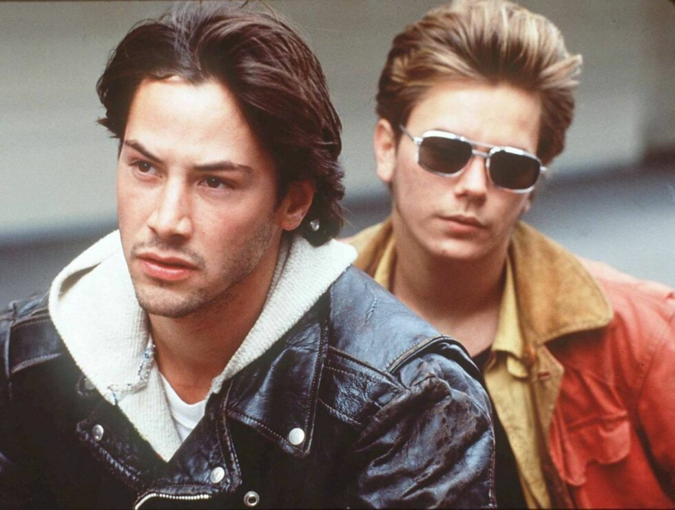 STOR: River Phoenix (t.h) sammen med kameraten Keanu Reeves i filmen Stand By Me. Foto: Scanpix