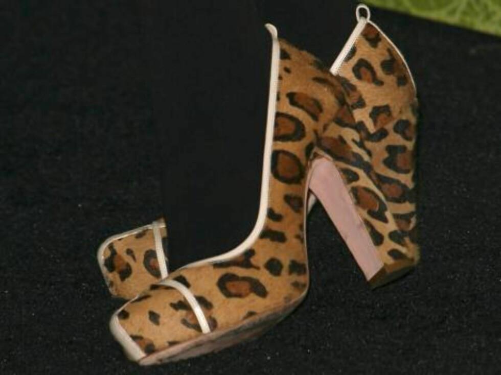 MOTOROLAS STJERNEFEST: Gjett hvem som eier disse frekke skoene?! Foto: Stella Pictures