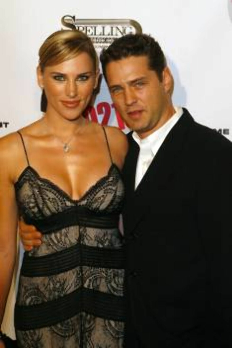BEVERLY HILLS 2006-11-03  Naomi Lowde Priestley and Jason Priestley at the Beverly Hill's 90210 and Melrose Place DVD Launch Party held at Beverly Hilton Hotel.  Photo: Brian Lowe/jpistudios  Code: 4036  COPYRIGHT STELLA PICTURES Foto: STELLA PICTURES