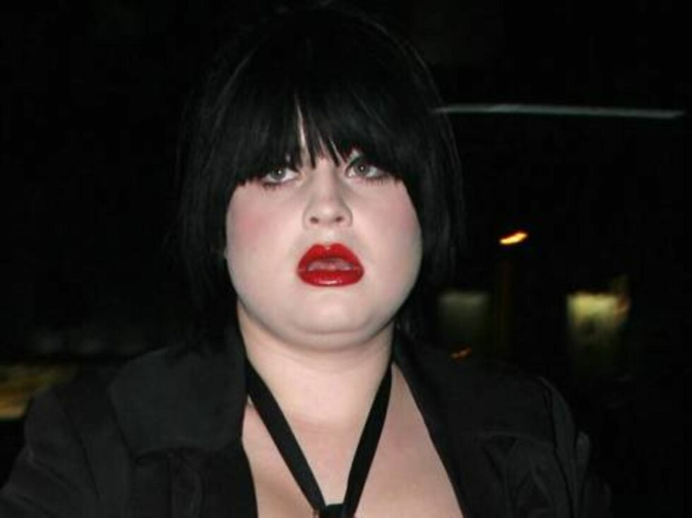 PÅ FEST: Kelly Osbourne liker å kle seg ut som vampyr. Foto: All Over Press
