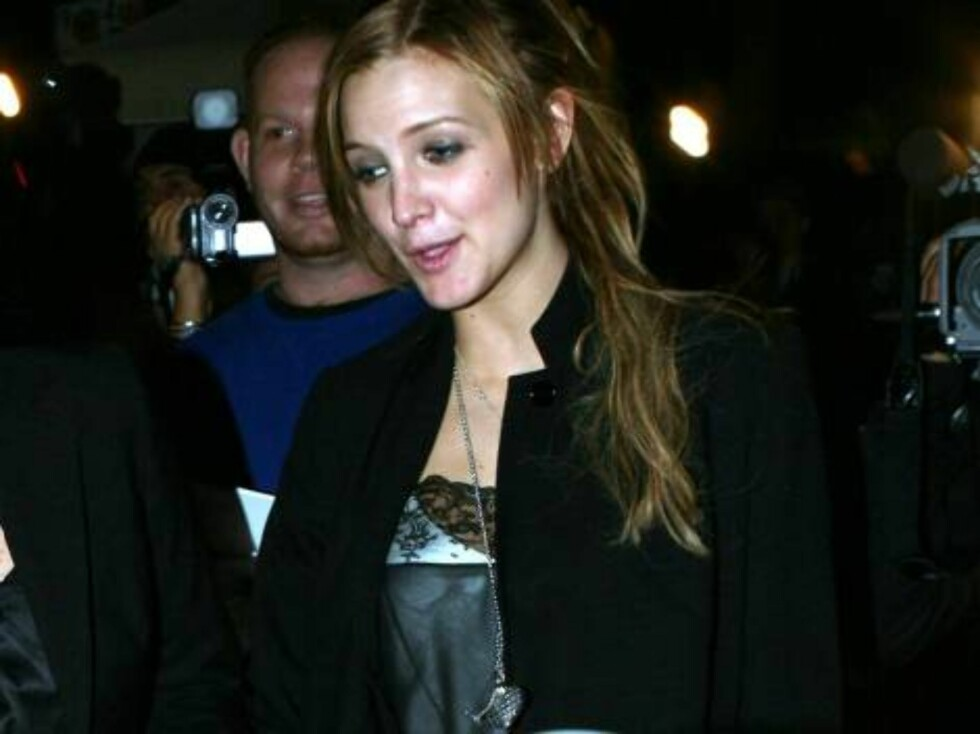 More plastic surgery for Ashlee Simpson? Ashlee Simpson looks different, her eyes have changed nov 3, 2006 X17agency EXCLUSIVE Foto: All Over Press