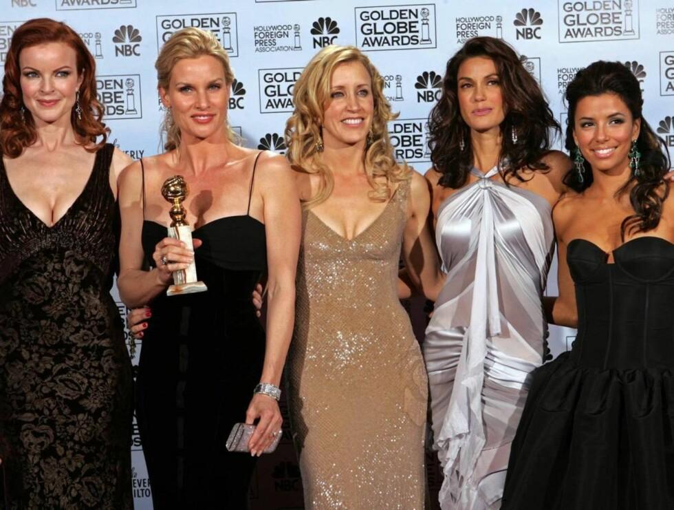 RIKE: Fra venstre til høyre: Marcia Cross, Nicollette Sheridan, Felicity Huffman, Teri Hatcher og Eva Longoria. Foto: AP/Scanpix