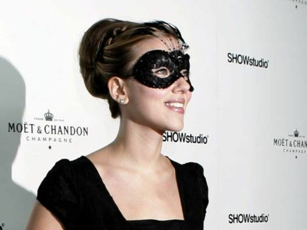 Skuespillerinnen Scarlett Johansson var sexy i maske. Foto: All Over Press