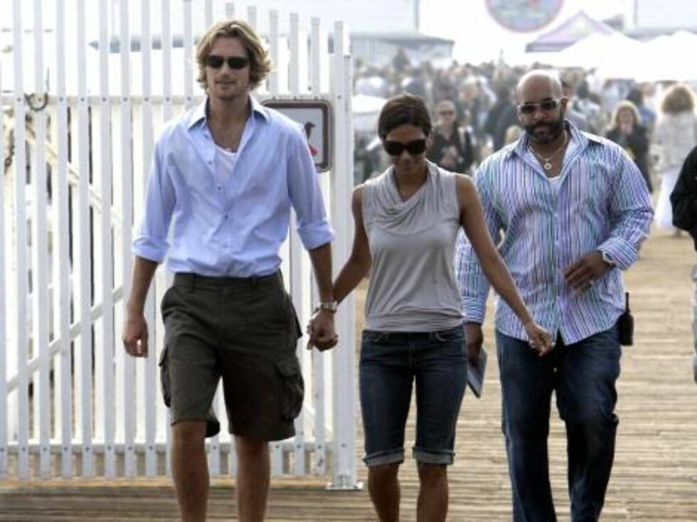 Halle Berry and Gabriel walking at the Santa Monica pier oct 22, 2006 X17agency exclusive Foto: All Over Press