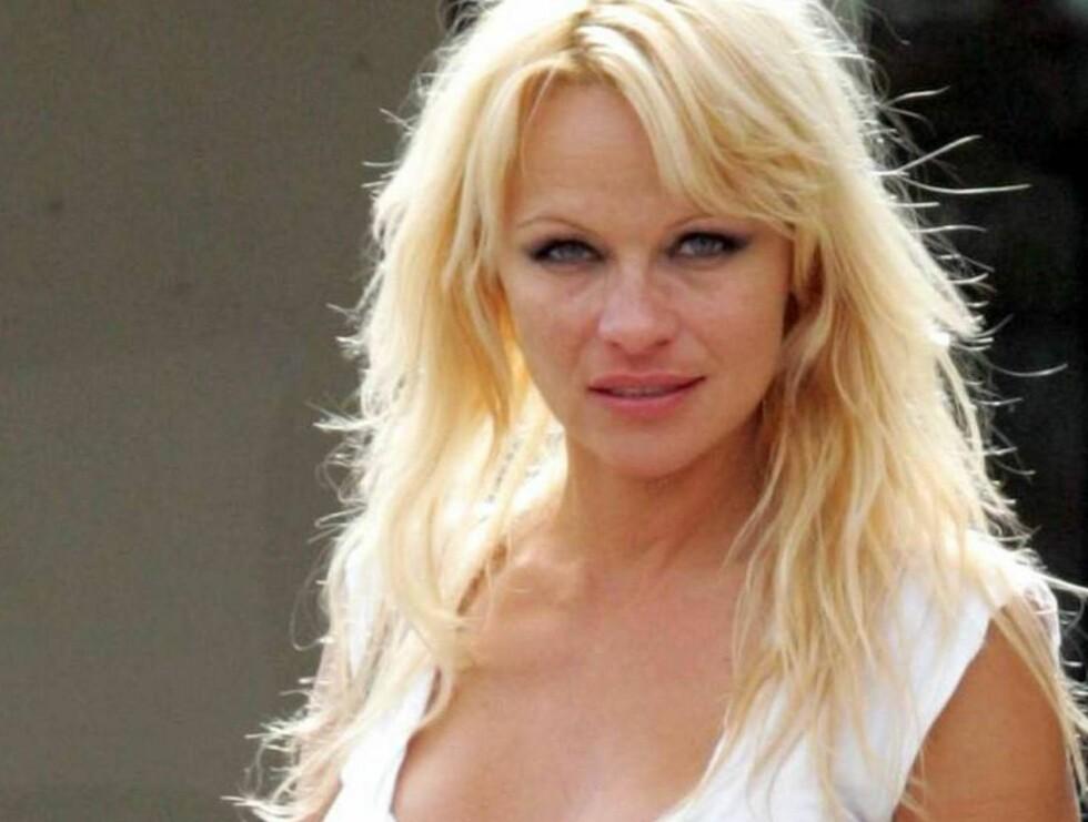 DEN USMINKEDE SANNHET: Her er beviset på at også kjendiser kan se forferdelige ut.. Foto: All Over Press