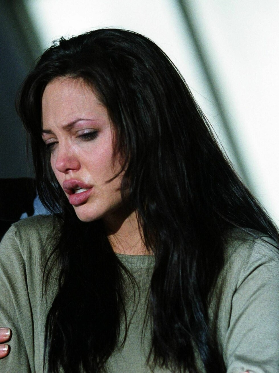 SYK: Hele tre ganger på få uker har Angelina falt om bevisstløs. Foto: Filmweb