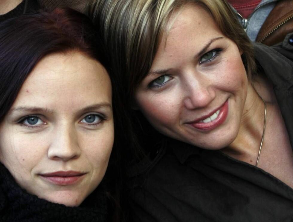 KOMIROLLER: Hanna Kavli Lund og Sarah Steensby spiller i den norske sex-komedien. Foto: SCANPIX