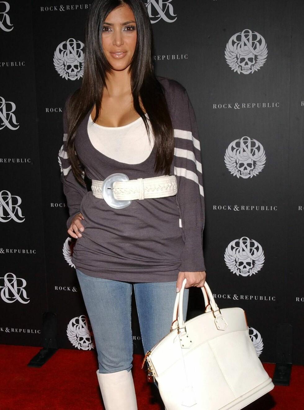 ELSKER SHOPPING: Paris Hiltons gode venninne og stjernestylist Kim Kardashian, var en de mest elegante på den røde løperen. Foto: Stella Pictures