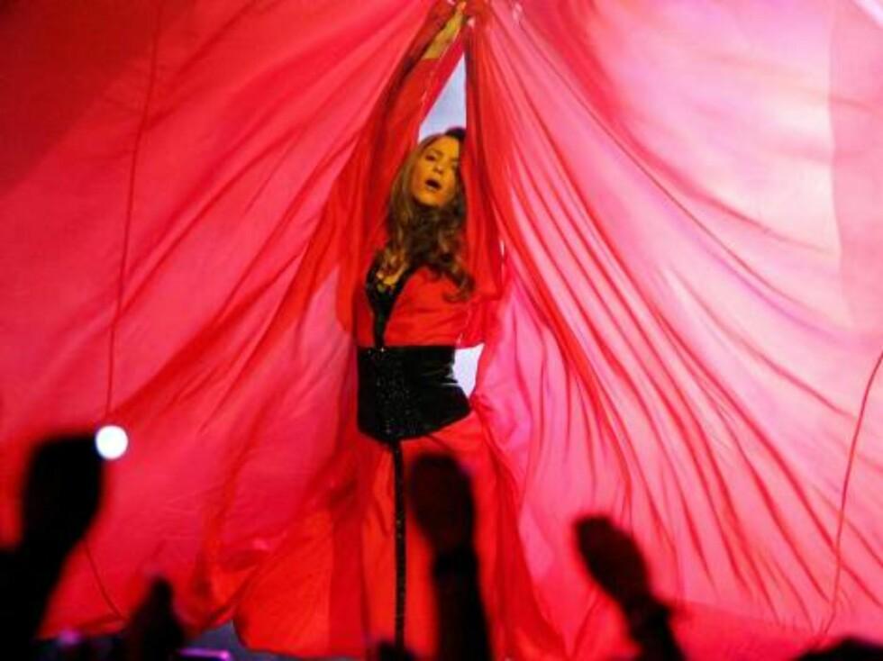 Popstjernen Shakira opptrådde på galant vis. Foto: All Over Press
