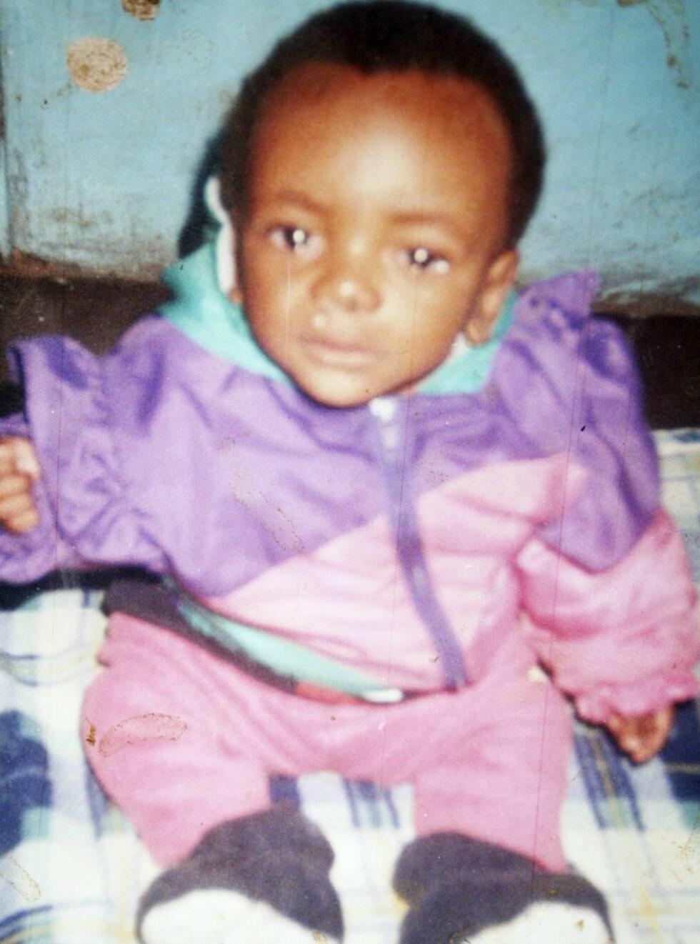 STOR FORANDRING: David har til nå bodd på barnehjem i Malawi. Nå venter et liv i luksus. Foto: Barcroft Media