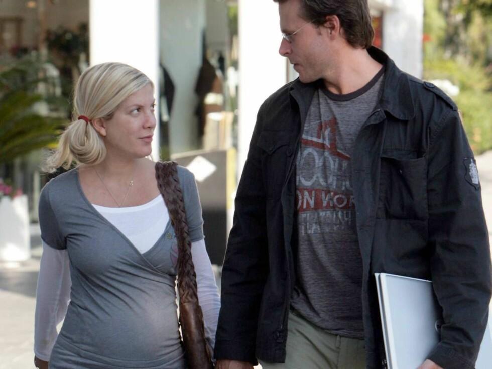 FORELSKET: Tori og Dean kunne virkelig ikke ta øynene fra hverandre i helgen ... Foto: All Over Press