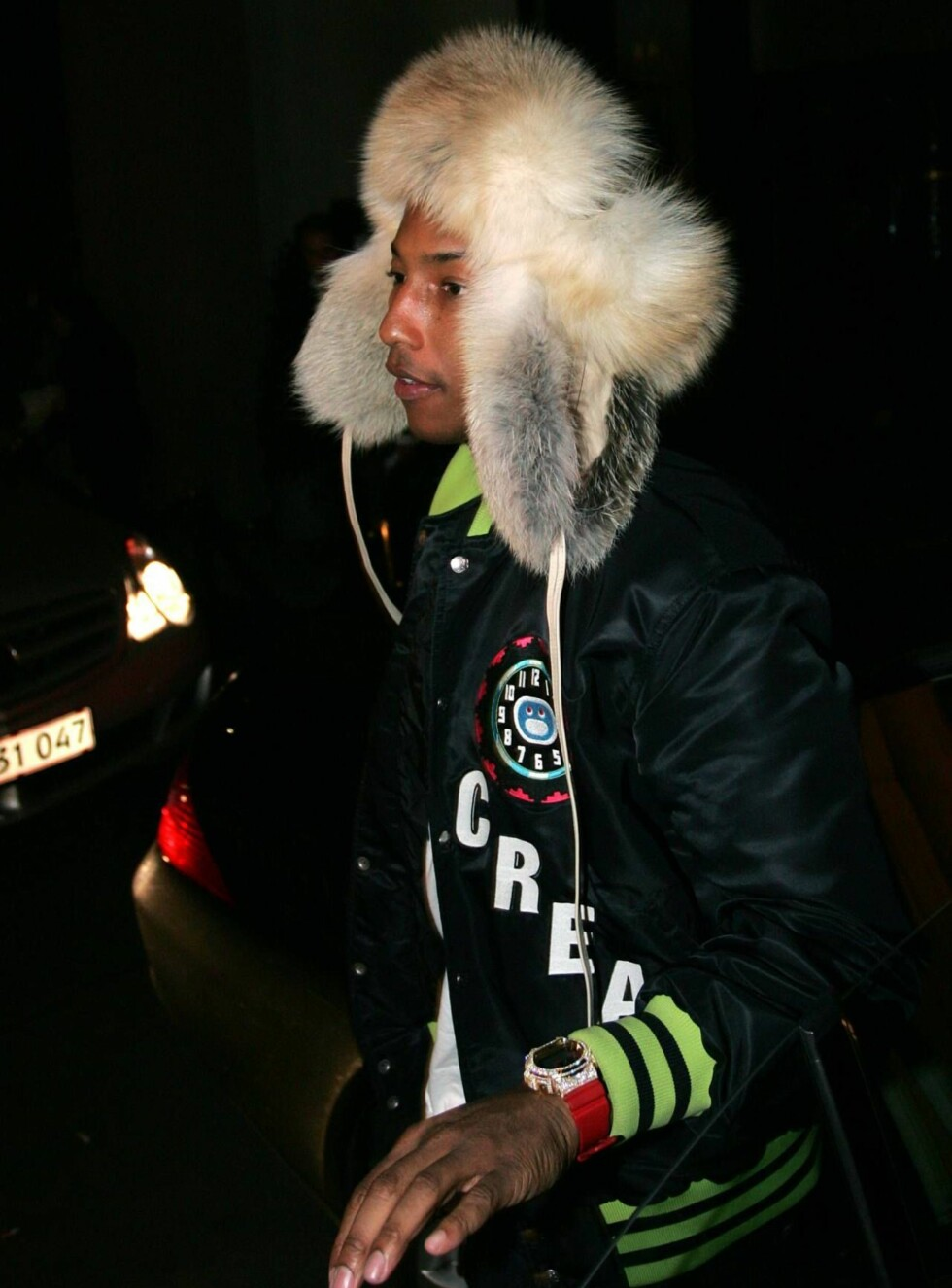 KALD: Det var en frossen Pharrell Williams som kom ut fra Oil i natt. Foto: STELLA PICTURES