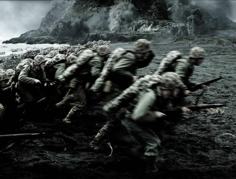 """BLODIG: I filmen """"Flags of our fathers"""" følger vi en gruppe menn i de harde kampene i Stillehavet. Foto: Filmweb"""