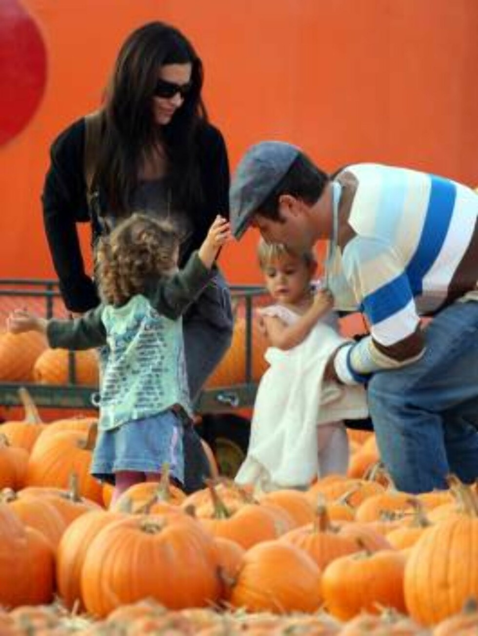 David Arquette and daughter Coco at pumpkin patch in Hollywood with mom Courteney Cox Oct 14, 2006 X17agency exclusive Foto: All Over Press