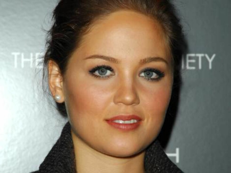 NEW YORK 2006-10-16  Actress Erika Christensen attends The Cinema Society and Zenith Watches screening of Flags Of Our Fathers held at the Tribeca Grand screening room on Monday, October 16, 2006  in New York City, New York. (Pictured: Erika Christensen) Foto: STELLA PICTURES