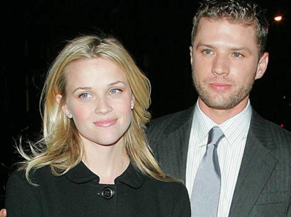"ELEGANT PAR: Reese Witherspoon ""walked the line"" oppover den røde løperen med ektemannen Ryan Philippe. Foto: Stella Pictures"