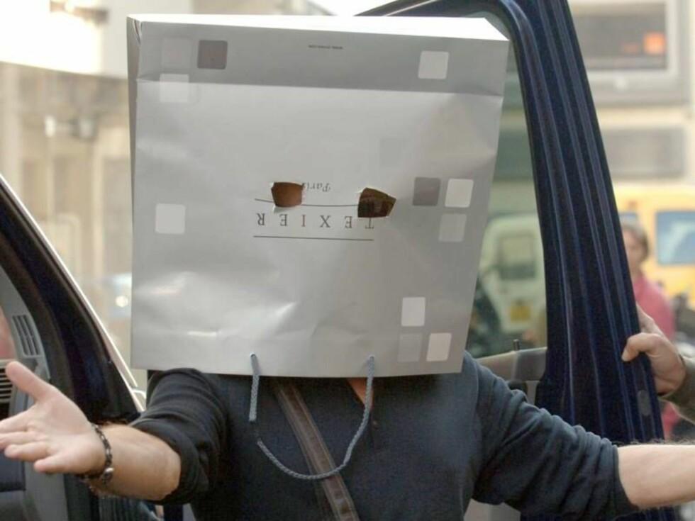 POSEMANNEN SLÅR TIL IGJEN: Dustin Hoffman introduserer franskmennene for posemoten. Foto: Stella Pictures