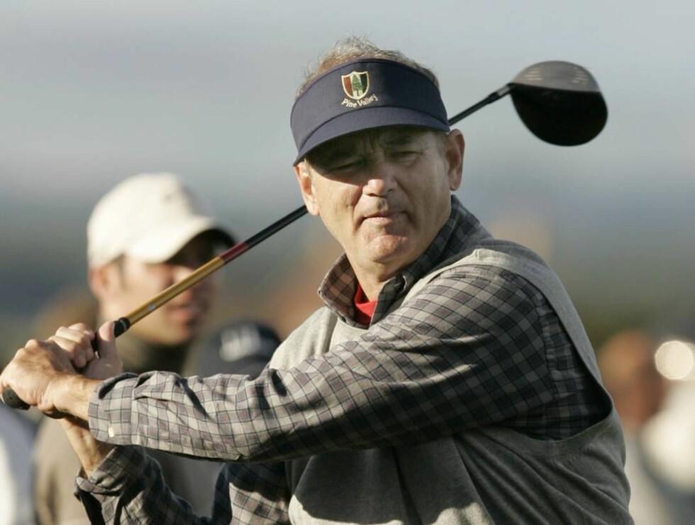 PÅ BANEN: Bill Murray var i Skottland for å spille golf, men sa ikke nei takk til en fest... Foto: AP