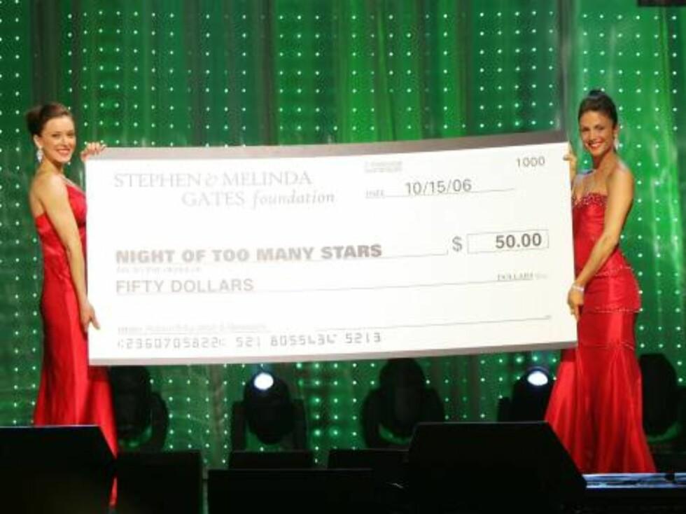 50 dollar - 300 norske kroner - fikk Jon Stewart samlet inn. Foto: All Over Press