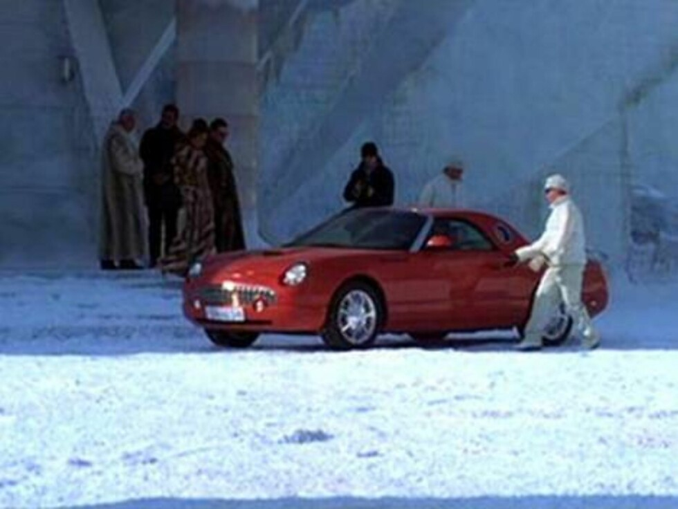 FORD THUNDERBIRD: Die Another Day.
