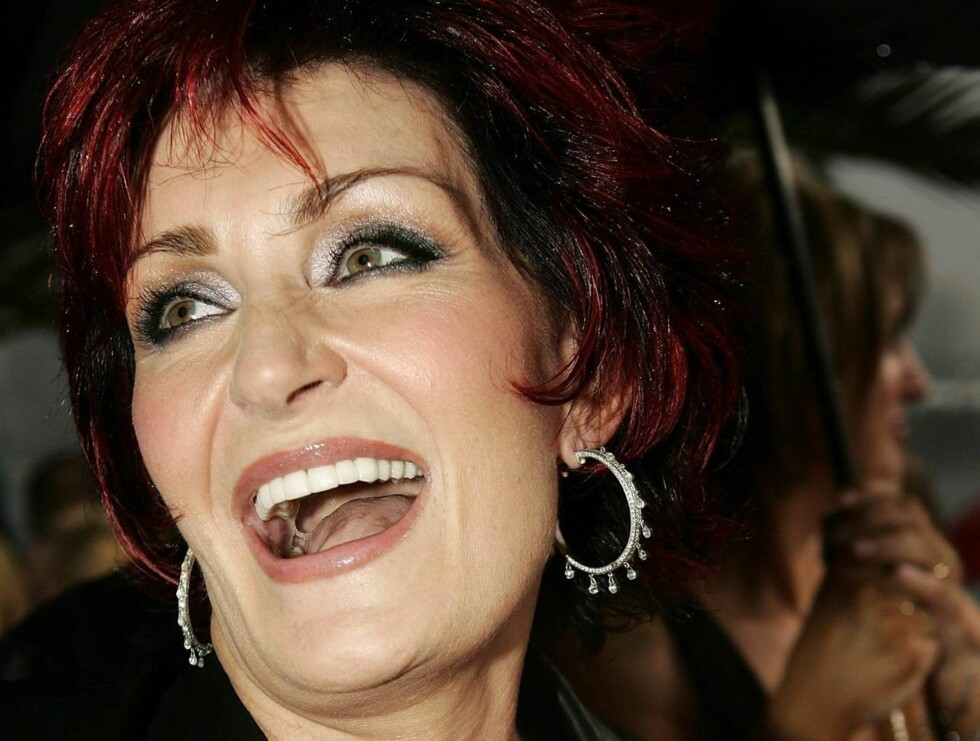 SYDNEY, NSW - MARCH 03:  Sharon Osbourne arrives at the inaugural MTV Australia Video Music Awards at Luna Park on March 3, 2005 in Sydney, Australia.  (Photo by Kristian Dowling/Getty Images) / ALL OVER PRESS *** Local Caption *** Sharon Osbourne  * SPEC Foto: All Over Press