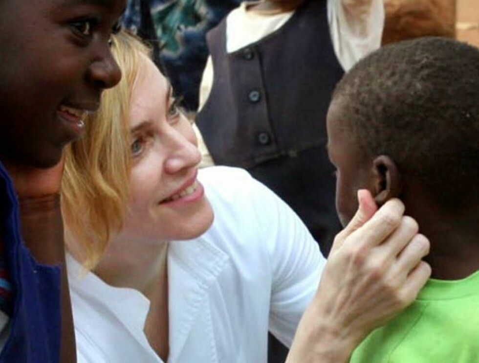 MAMMA IGJEN: Madonna har tidligere benektet at hun kom til Afrika for å adoptere. Foto: AP/Scanpix