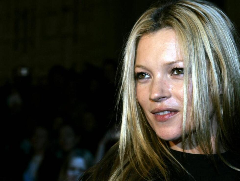 VANT: Etter å ha blitt tatt for kokainsniffing, har Kate Moss karret seg opp på stjernehimmelen igjen. Foto: AP/Scanpix