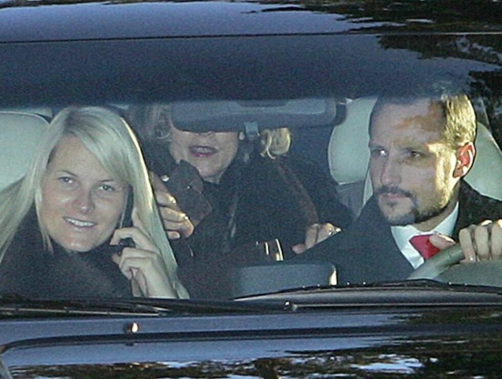 RING RING: Mette-Marit er en ivrig mobilbruker. Foto: Andreas Fadum/Se og Hør