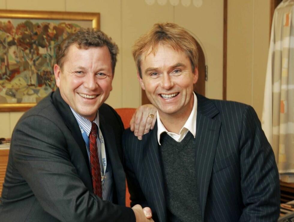 GÅR AV: John G. Bernander trekker seg som sjef for Dag Erik Pedersen og de andre i NRK.