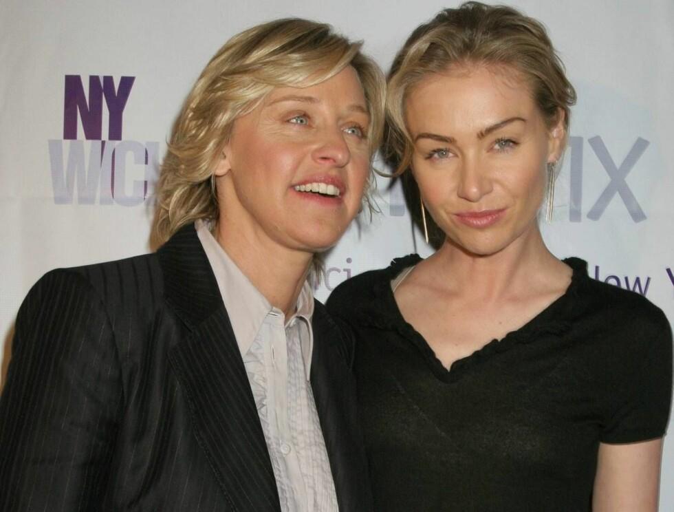 SAMMEN: Ellen og Portia har vært sammen siden 2004, etter å ha møttes på et fotoopptak. Nå blir de samboere i et gedigent hus! Foto: AP/Scanpix