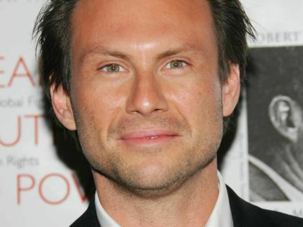 NEW YORK - OCTOBER 06:  Actor Christian Slater attends the Speak Truth To Power Memorial Benefit Gala at Pier Sixty, October 6, 2006 in New York City.  (Photo by Evan Agostini/Getty Images) *** Local Caption *** Christian Slater  * SPECIAL INSTRUCTIONS: Foto: All Over Press