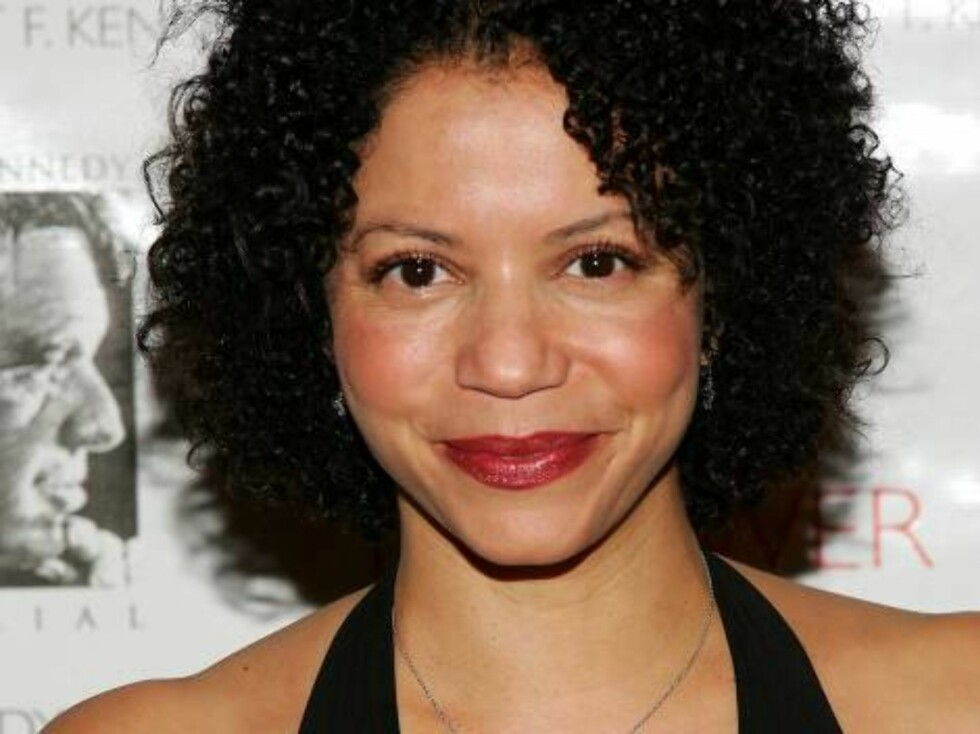 NEW YORK - OCTOBER 06:  Actress Gloria Reuben attends the Speak Truth To Power Memorial Benefit Gala at Pier Sixty, October 6, 2006 in New York City.  (Photo by Evan Agostini/Getty Images) *** Local Caption *** Gloria Reuben  * SPECIAL INSTRUCTIONS:  * *O Foto: All Over Press