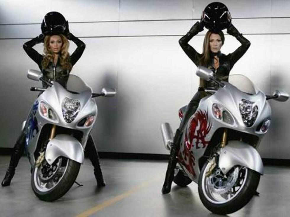 Popstjernene Beyoncé og Jennifer Lopez. Foto: AP/Scanpix