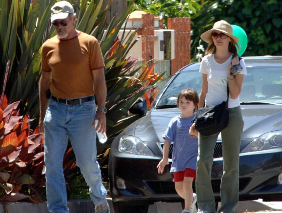 ALDRENDE STJERNE: Harrison Ford (t.v.) var med kjæresten Calista Flockhart på tv-innspilling da ha sovnet i bilen. Foto: All Over Press