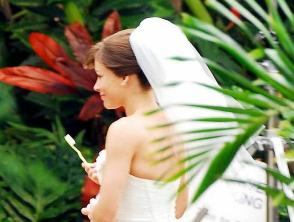 """PUSS: ... Og tennene må være rene og pene til """"you may kiss the bride"""". Foto: All Over Press"""