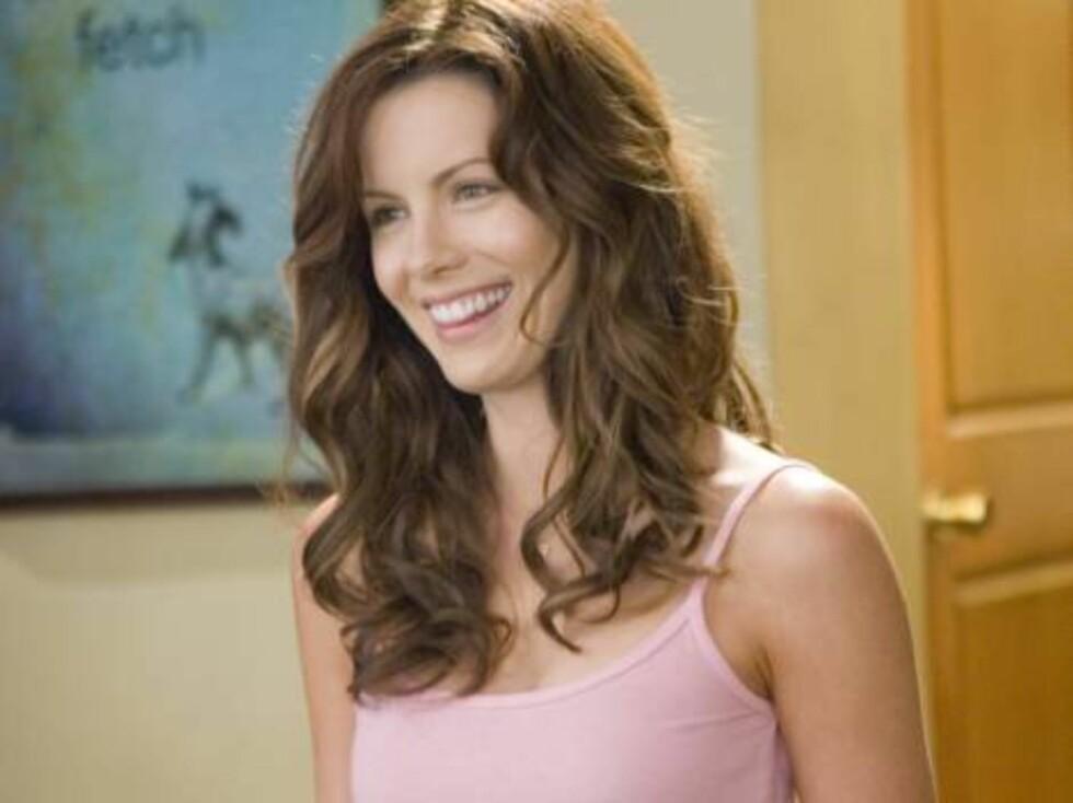 Vakre Kate Beckinsale har rollen som yndige Donna. Foto: Filmweb