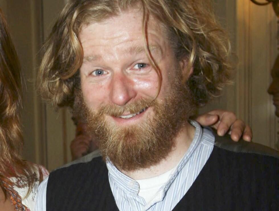 MOROMANN: Nå skal Petter Schjerven lære nordmenn om blomsten og bien. Foto: Morten Krogh, Se og Hør
