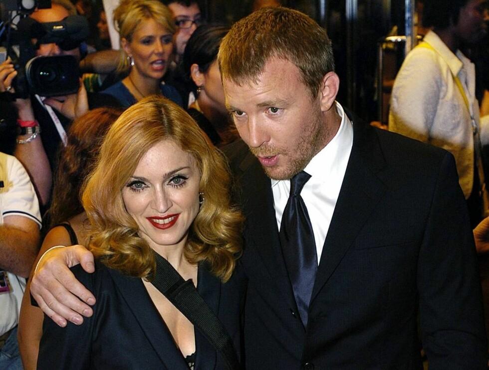 PUBNEKT: Madonna har satt foten ned for Guys pubturer,  uansett hvor pent han spør. Foto: AP